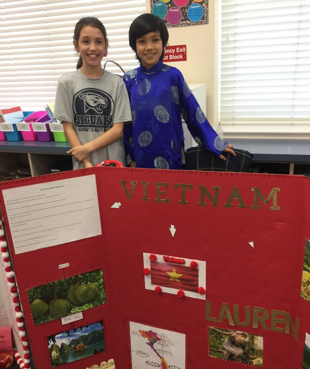 4th Grade Class Hosts World's Fair